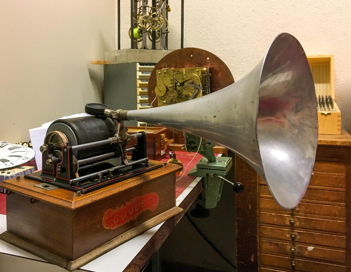 Phonographe à rouleau réparé par André Guignard | © Anne-Sylvie Weinmann