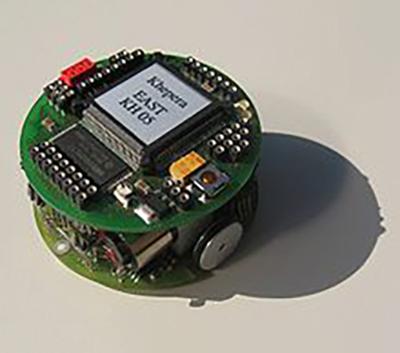 Khepera, première génération (1996) | Source: Stéphane Magnenat (Wikipedia Khepera mobile robot)
