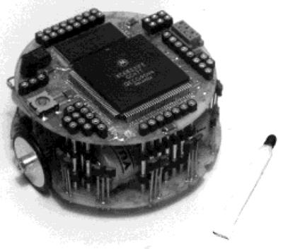 Premier prototype de Khepera (1992) | Source : Article The Development of Khepera